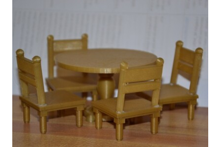 Dollhouse_Table_and_Chairs